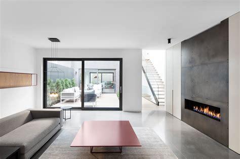 Contemporary Style : Manon Bélanger Designs A Minimalist Contemporary Home In