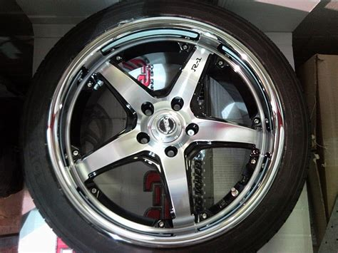 Does 215/45-18 Tire Fit On 18x7.5 Rim?