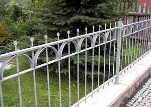 Gartenzäune Aus Metall Günstig : gartenz une aus metall worauf ist zu achten ~ Lizthompson.info Haus und Dekorationen