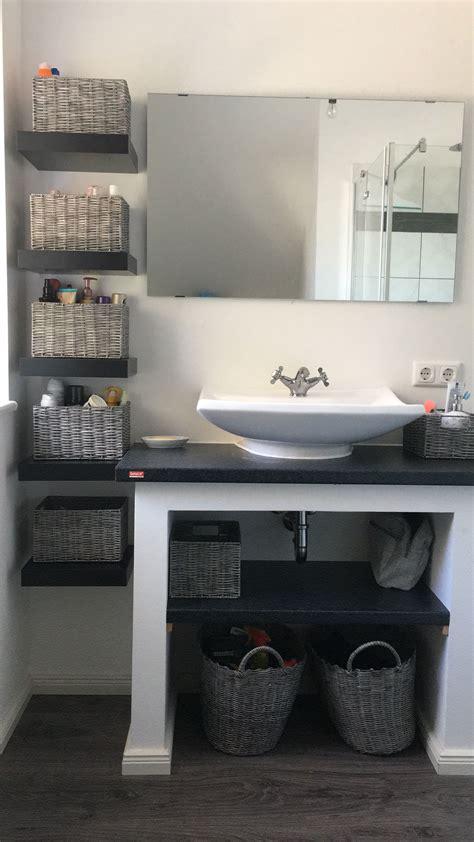 Badezimmer Regal Dekorieren by Badezimmer Regal Dekoration In 2019