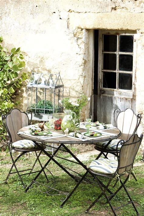 plantes pour chambre table de jardin comptoir de famille en bois et fer forgé