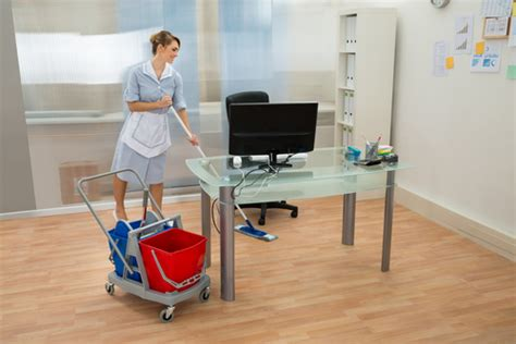femme de bureau ou trouver une bonne femme de ménage pour bureau à