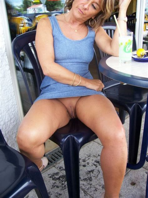 Cafe Flash Mature Allure Luscious