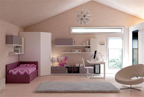 canapé de chambre chambre enfant complète avec lit canapé compact