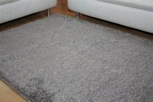 Kunstrasen Teppich Grau : shaggy teppich cosy grau teppiche shaggy teppiche ~ Lateststills.com Haus und Dekorationen