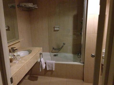 principe de la chambre salle de bain de la chambre picture of grand bahia