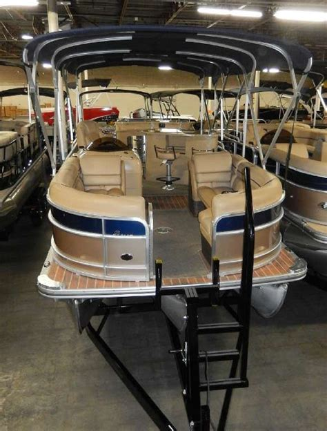 Crest Pontoon Boat Snap On Covers by 8 Best Crest Pontoon Boat Images On Pinterest Boat