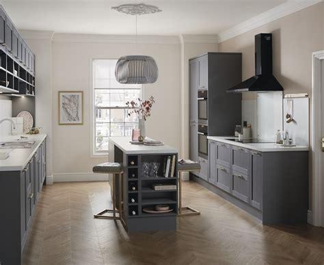 pauls country kitchen allendale slate grey kitchen shaker kitchens howdens 1429