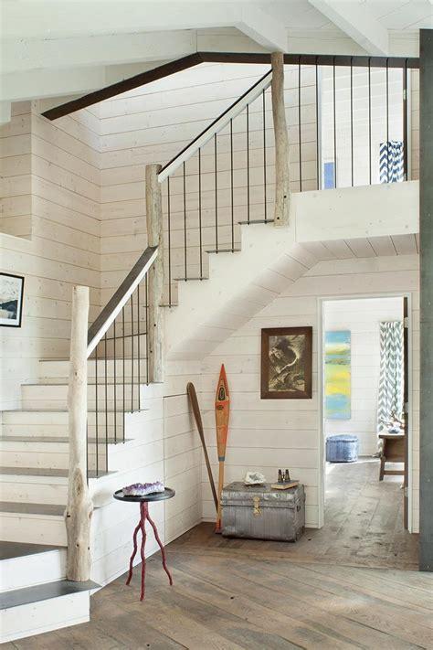 une re d escalier en bois lasur 233 blanc et bois flott 233 esprit bord de mer escaliers