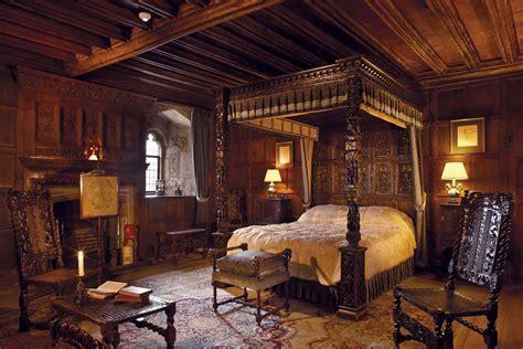 Spotlight on the Castle: King Henry VIII Bedchamber