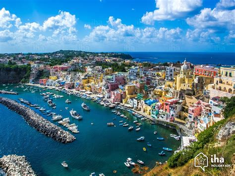 Naples Chiaia Rentals For Your Holidays With Iha Direct