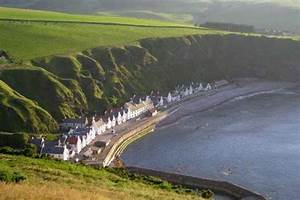 Pennan Accommodation - Hotels, Guest Houses, Bed and