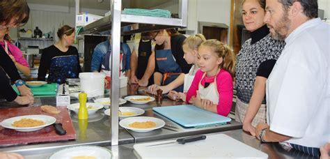 cours cuisine pour enfants denis le vêtu cours de cuisine pour parents et enfants