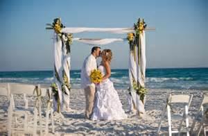 wedding arches for rent 10 dicas para não errar no casamento na praia mundo da lili
