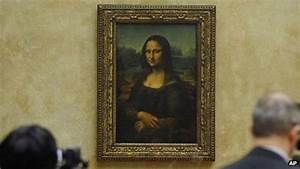 The Mona Lisa is flip flopping - returned to no smile ...