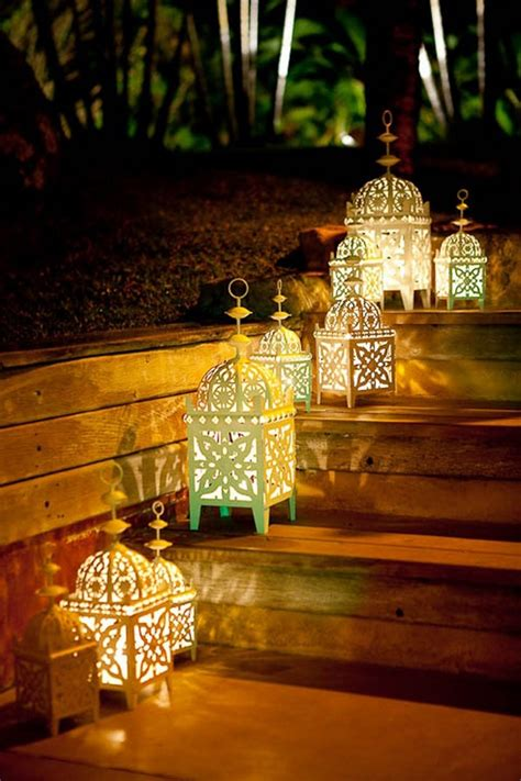 Fascinating Garden Decoration With Moroccan Lanterns