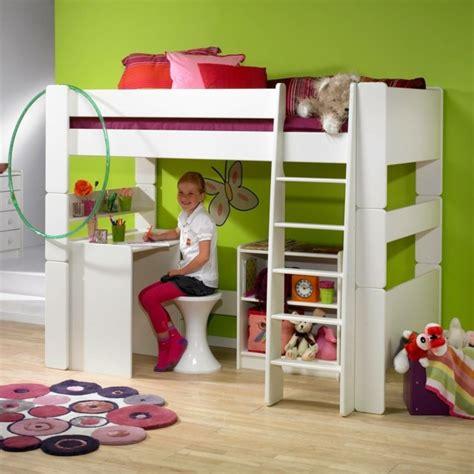 chambre avec lit mezzanine lit mezzanine enfant fonctionnalité et rêve réalisés