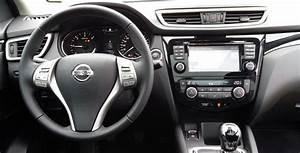 Interieur Nissan Qashqai : essai nissan qashqai r f rence ~ Medecine-chirurgie-esthetiques.com Avis de Voitures