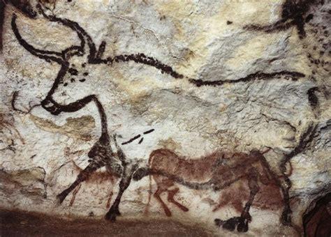 grotte de lascaux salle des taureaux grotte de lascaux la salle des taureaux panneau de l ours noir troisi 232 me taureau