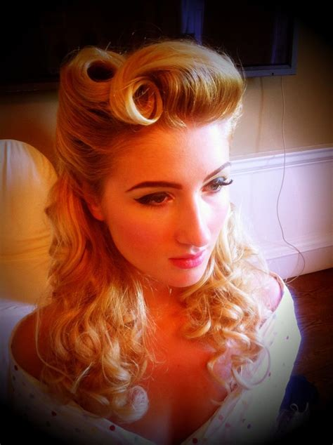 Modern 1940s Hairstyles 1940 pin up hair style pin up hair modern 1940s victory