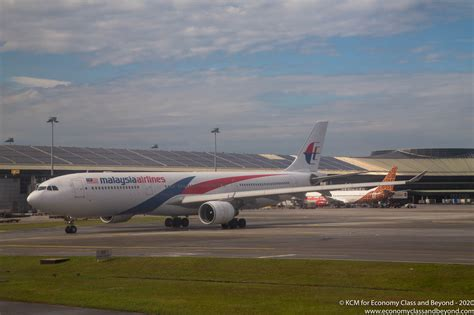 Airplane Art Malaysia Airlines Airbus A330 300 Economy