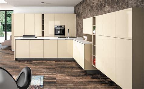 cuisine couleur beige charmant meuble cuisine couleur taupe 1 cuisine beige cr232me sagne cuisines survl com