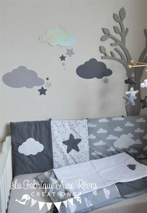 deco chambre bebe gris stickers nuages étoiles gris foncé argent gris clair