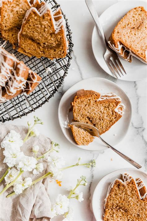 Serve this cardamom apple coffee cake with a hot cup of coffee on a crisp autumn morning for a cozy and delicious breakfast. Orange Cardamom Coffee Cake | Receta | Comida, Desayuno y ...