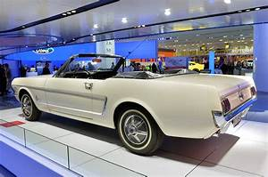 First Production Ford Mustang Ever Built Shows Up in Detroit - autoevolution