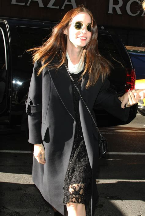 Carpet Cleaners In Los Angeles   Michelle Monaghan shows off her pregnant belly in bright