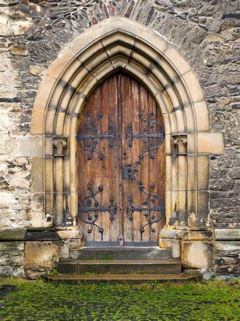 vintage door ancient door backgrounds photo studio art