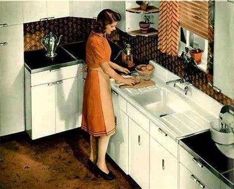 how to a kitchen backsplash 1000 ideas about vintage kitchen cabinets on 8828
