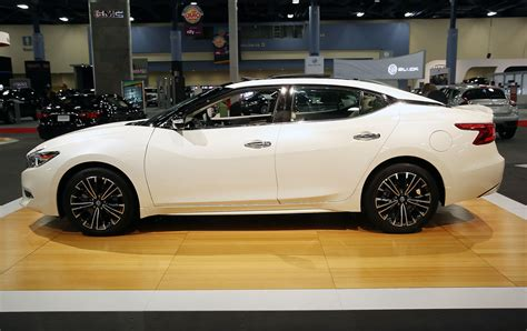The 2021 Nissan Maxima Can't Quite Make Up Its Mind but ...