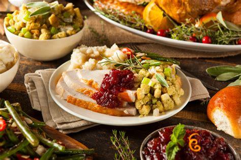 typical thanksgiving dinner 30 best restaurants to get a traditional thanksgiving dinner abroad the flipkey blog