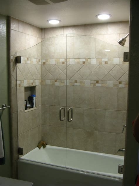 unique shower door ideas best 25 bathtub enclosures ideas on pinterest glass bathtub door tub shower doors and