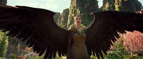 angelinia jolie   mistress  evil  maleficent