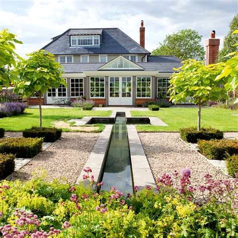 traditional garden take a tour around a traditional garden with a contemporary twist housetohome co uk