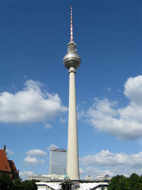 berlin de fernsehturm de berl 237 n torre de televisi 243 n de berl 237 n megaconstrucciones engineering