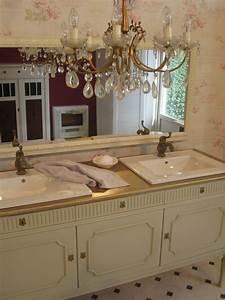Badmöbel Vintage Style : landhaus doppelwaschtisch in romantischem look ~ Michelbontemps.com Haus und Dekorationen