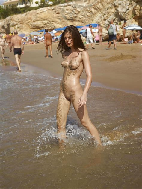 Little Caprice Nude At Public Beach Pics Xhamster