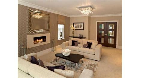 Rumah minimalis memang sedang hits belakangan ini. Cat Rumah Warna Coral : Warna Cat Rumah Gold / Warna coral ...
