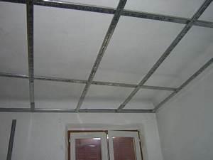 Pose De Faux Plafond : rail pour faux plafond placo maison travaux ~ Premium-room.com Idées de Décoration