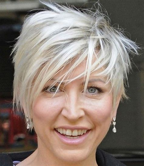 short layered hairstyles  women   fave hairstyles