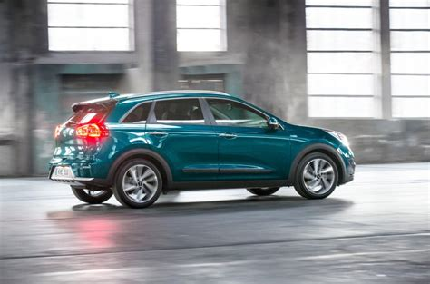 Kia Niro Hybrid Makes Its European Debut At Geneva
