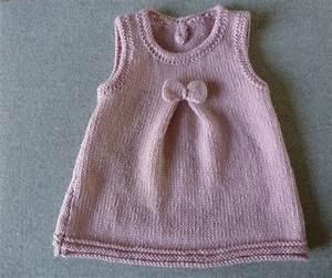 les 25 meilleures idees concernant modele tricot bebe With patron robe bébé gratuit