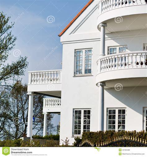 Façade Immeuble Moderne by Fa 231 Ade D Une Maison 233 L 233 Gante Blanche Photo Stock