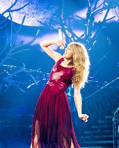 Taylor Swift performing Haunted as part of her Speak Now ...