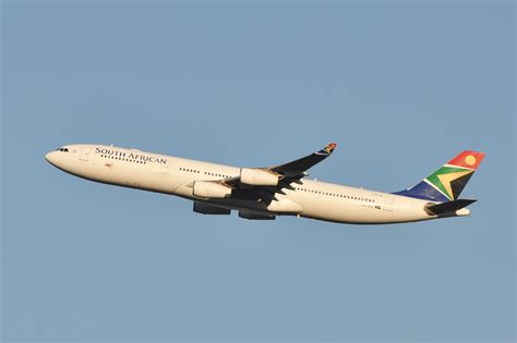 File:South African Airways A340-300 ZS-SXE.jpg - Wikimedia Commons