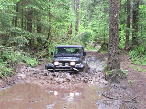 muddy jeep 17 best images about its a mud thing on pinterest chevy