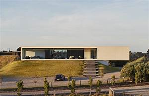 Modern, Rectangular, House, With, Pool, In, Australia